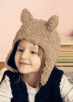 kids on the moon - FAUN Faux Fur Cap beige